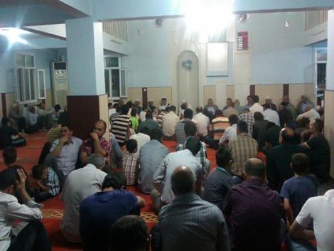 Çınar'da Beraat gecesinde camiler doldu taştı