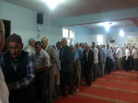 Çınarlılar Ramazan bayramını hüzünlü karşıladı