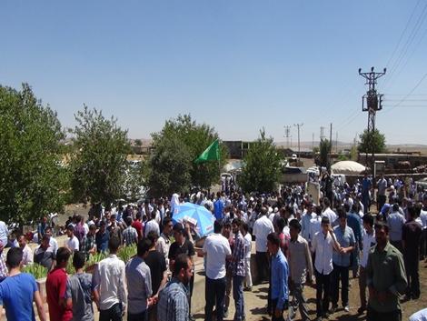 Karacadağ'ın Şehitlikleri ziyaretçi akınına uğradı
