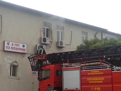 Çınar Devlet Hastanesi'ndeki yangın korkuttu
