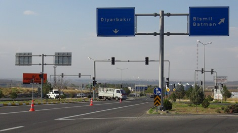 Trafik ışıklarının çalışmaması kazalara davetiye çıkarıyor