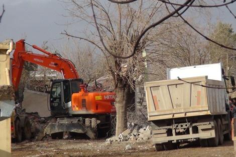 Çınar'da bombalı sladırı
