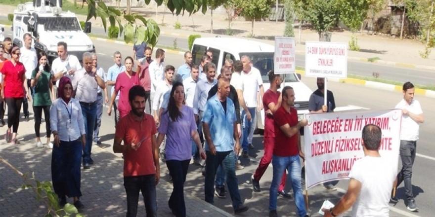 Hastane personelleri 'sağlıklı yaşam' için yürüdü