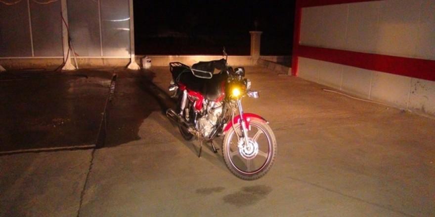 Çınar'da motosiklet kazası; bir ölü