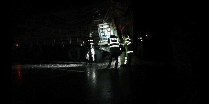 Çınar'da otobüs ile kamyon çarpıştı: 1 ölü 45 yaralı 1