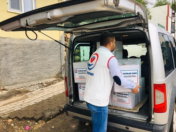 Yetimler Vakfı Çınar'da 30 aileye gıda yardımında bulundu 1