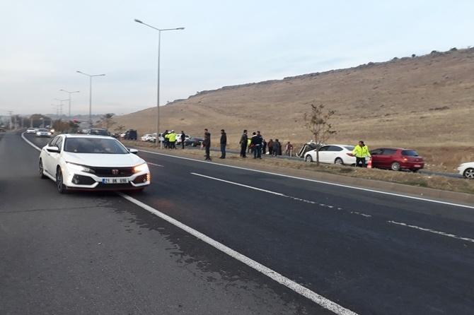 Üç aracın karıştığı kazada 2 kişi yaralandı 1