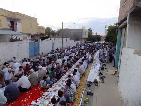 Çınar Şefkat Der 2. Mevlütlü İftar Yemeği 13
