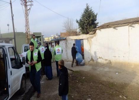 Çınar Şefkat Der`den Suriyeli Mültecilere Yardım 11
