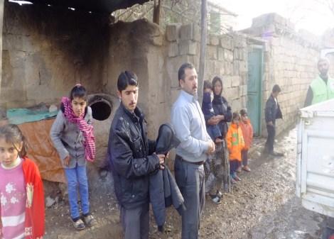 Çınar Şefkat Der`den Suriyeli Mültecilere Yardım 4
