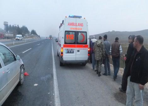 Çınar'da trafik kazası: 2 yaralı 10