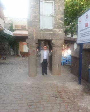 Diyarbakır'da Dört Ayaklı Minare 1
