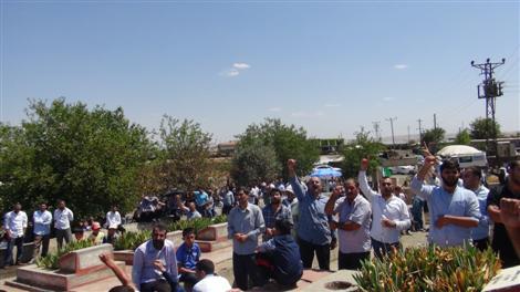 Çınar Karacadağ şehitlikleri ziyaretçi akınına uğradı
