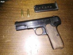 Muş Bulanık Mollakent Köyü'nde bir evde silah ve mühimmat ele geçirildi