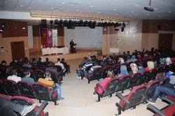 Iğdır Üniversitesi'nde helal gıda paneli düzenlendi