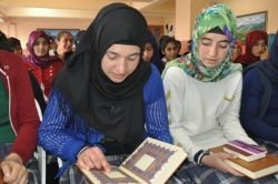 Iğdır'da liselilere Kur'an hediye edildi foto