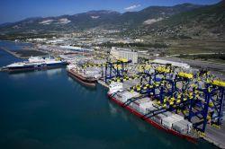 Mart ayında ihracat arttı ithalat ise azaldı