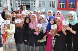 Batman'da öğrencilere bin kitap bağışı yapıldı video foto