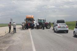 Çiftçiler yol kapattı foto