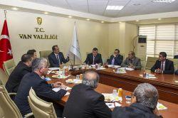 Van Valisi İbrahim Taşyapan, muhtarlarla bir araya geldi foto