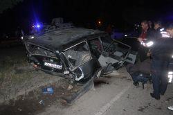 Bismil'de Pikap otomobile çarptı: 2 ölü 2 yaralı