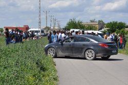 DEDAŞ'a tepki gösteren köylüler yol kapattı