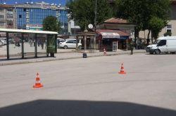 Elazığ'da Balakgazi Caddesinde otobüs durağına bırakılan şüpheli paket paniğe neden oldu video foto