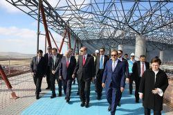 Cumhurbaşkanı Erdoğan, 3. havalimanı inşaatında incelemelerde bulundu