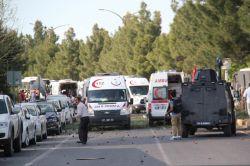 Diyarbakır'da bombalı araçla saldırı: 15 yaralı video FOTO