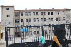 Patlama nedeniyle Şehit Albay Güner Ekici İmam Hatip Ortaokulu tatil edildi video foto