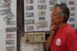 25 yıldır para koleksiyonu yapıyor