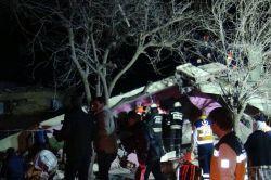 Çınar'daki patlamada evi yıkılan ailenin mağduriyeti sürüyor