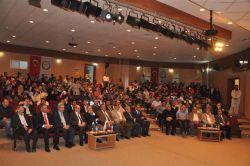 IÜ'de 'Ortadoğu'da Mezhep çatışmaları ve İslam'ın Geleceği' konferansı