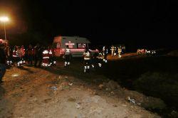 Bomba yüklü kamyon infilak etti: 10 ölü 25 yaralı
