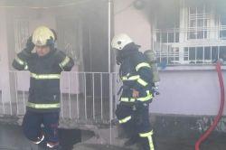 Batmanda Şirinevler Mahallesinde eşine kızan koca evini yaktı foto