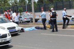 Diyarbakırda karşıdan karşıya geçmek isteyen şahıs hayatını kaybetti foto