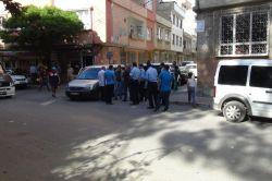 Gaziantepte şüpheli araçtan el bombası ve tüfek çıktı foto