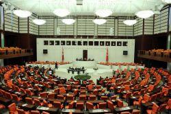 Dokunulmazlıkta 1. madde 373 oyla kabul edildi