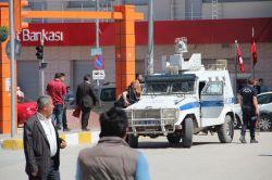 Van'da canlı bomba olduğu sanılan 1 kişi vuruldu foto