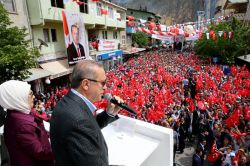 """""""Arabalarında silah taşıyanlar Türkiye'den kaçmaya başladı"""""""