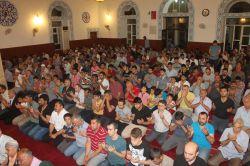 Berat Gecesi'nde camiler doldu taştı