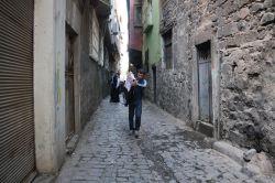 Sur'da 14 sokakta daha sokağa çıkma yasağı kaldırıldı foto
