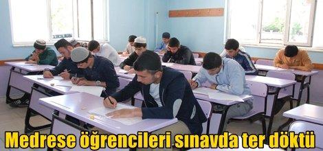 Medrese öğrencileri sınavda ter döktü