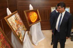 Kursiyerlerin yağlı boya eserleri sergilendi