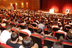 Dicle Üniversitesinde Ahir zamanda genç olmak konferansı düzenlendi foto