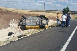 Çınar'da Göksu Barajı yakınlarında kontrolden çıkan araç takla attı: 1 yaralı