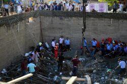 Mersin'deki göçükten bir  işçinin cesedi çıkarıldı foto