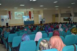 Rize'de 'Vahyin Yetiştirdiği Gençler' konferansı