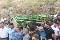 PKK'nin katlettiği muhtar toprağa verildi