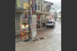 Maden'de yoğun yağış hayatı olumsuz etkiledi